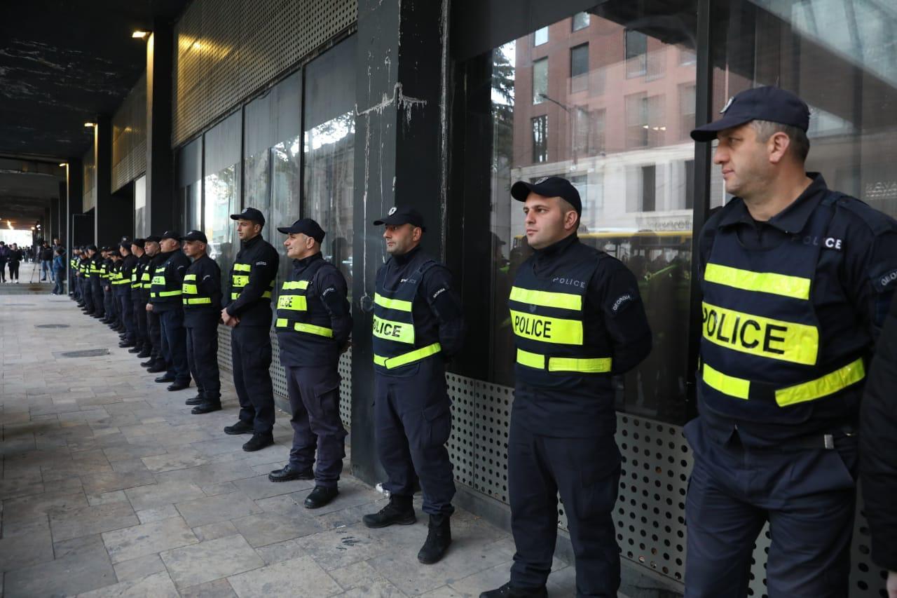 კახა ბუხრაძე: კინოთეატრებთან პოლიცია იცავს მოქალაქეების უსაფრთხოებას