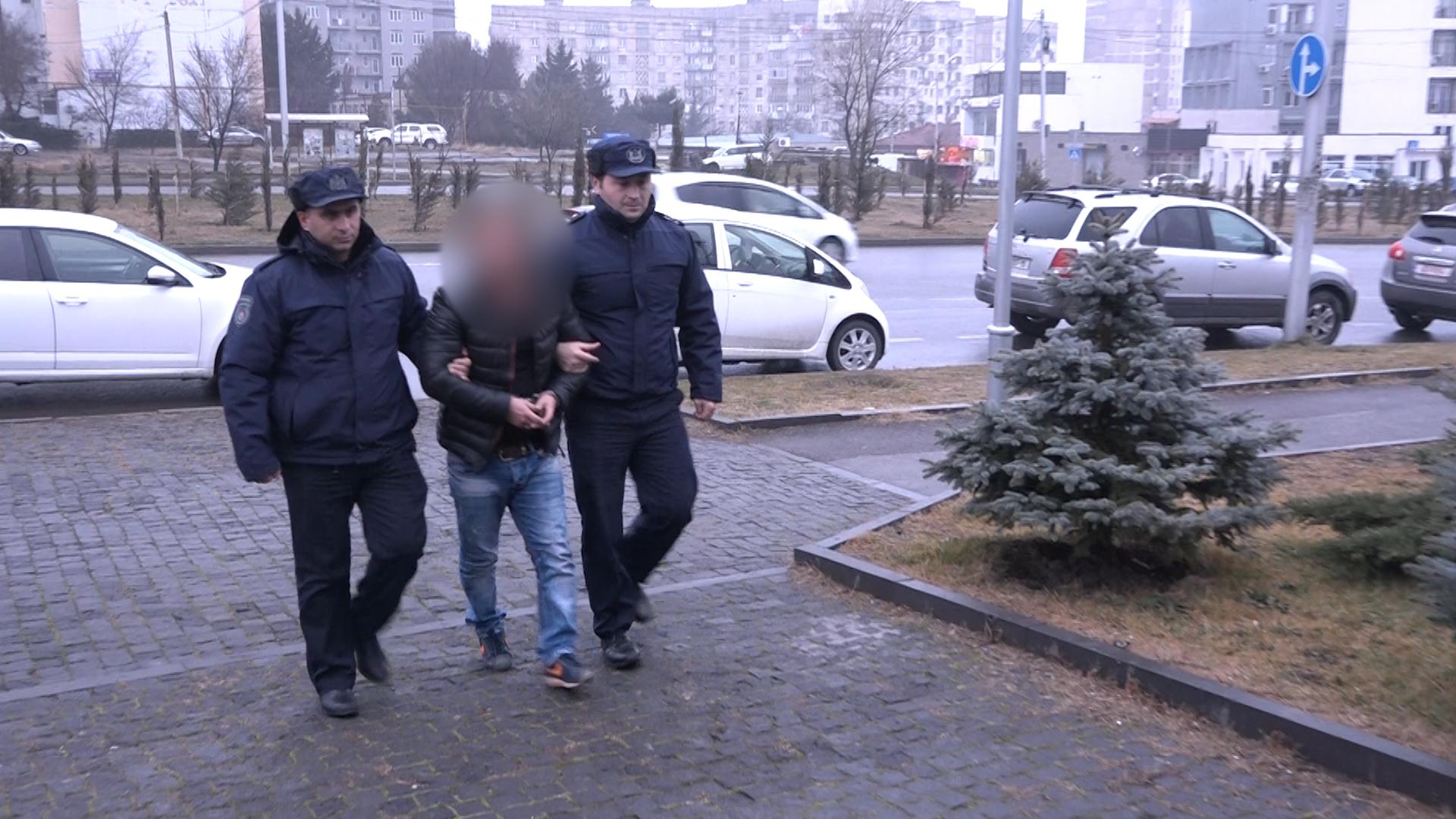 თბილისში, მანქანის ქურდობის მცდელობის ფაქტზე სამი პირი დააკავეს