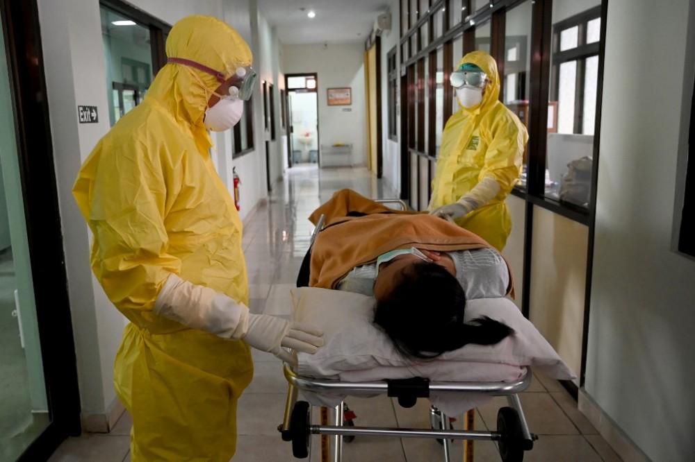კორონავირუსით ჩინეთში 1 716 მედიკოსი დაინფიცირდა, 6 გაირდაიცვალა