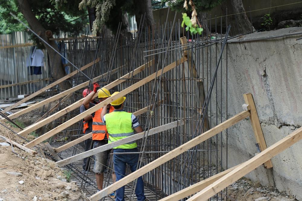 გლდანში, ორ მისამართზე გრუნტის დამჭერი კედელი ეწყობა