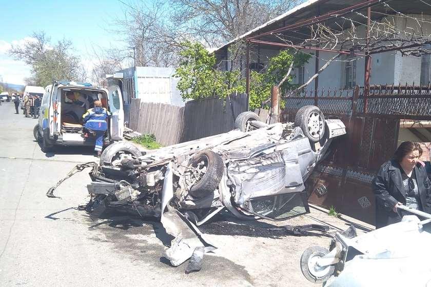 შინდისში 5 მოზარდი ავარიაში მოჰყვა