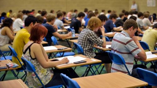 """გამოცდაზე 2 მასწავლებელი """"შპარგალკით"""" ერთი კი არაფხიზელ მდგომარეობაში მივიდა"""