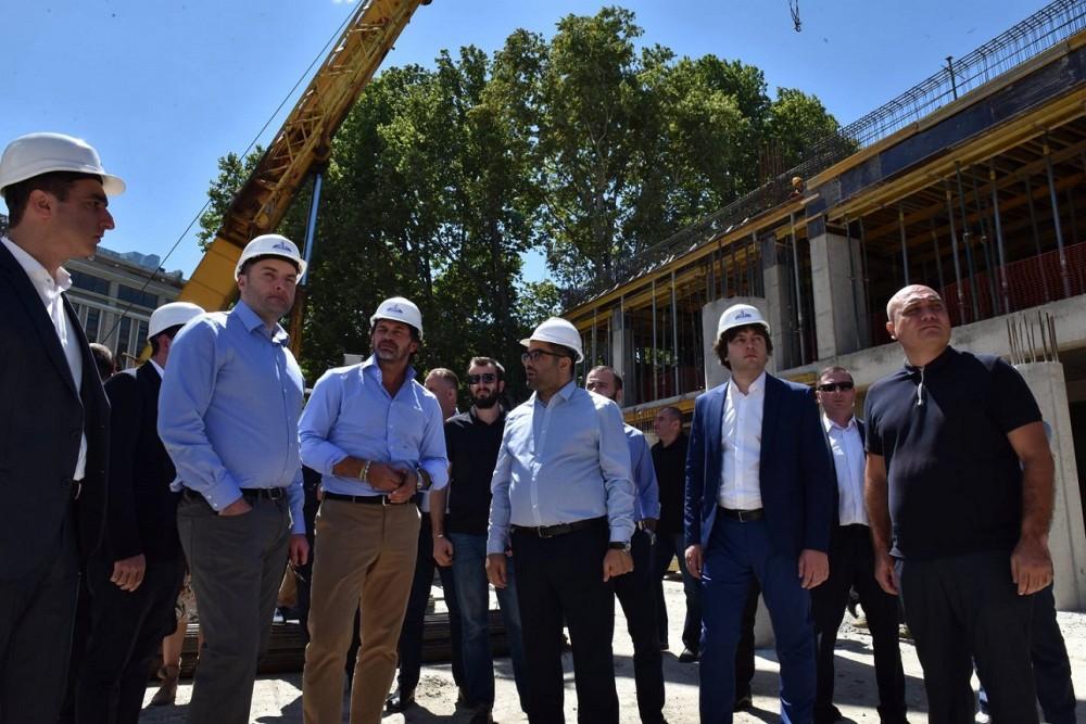 მადლობა უნდა გადავუხადოთ კახი კალაძეს, რომელმაც ახალი ენერგია ჩაბერა ქალაქის განვითარებას - ირაკლი კობახიძე