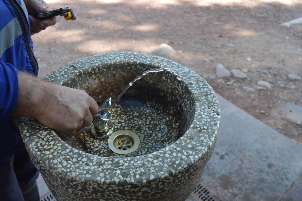 სასმელი წყლის შადრევნებს ჩამკეტი ონკანები დაუმონტაჟდებათ