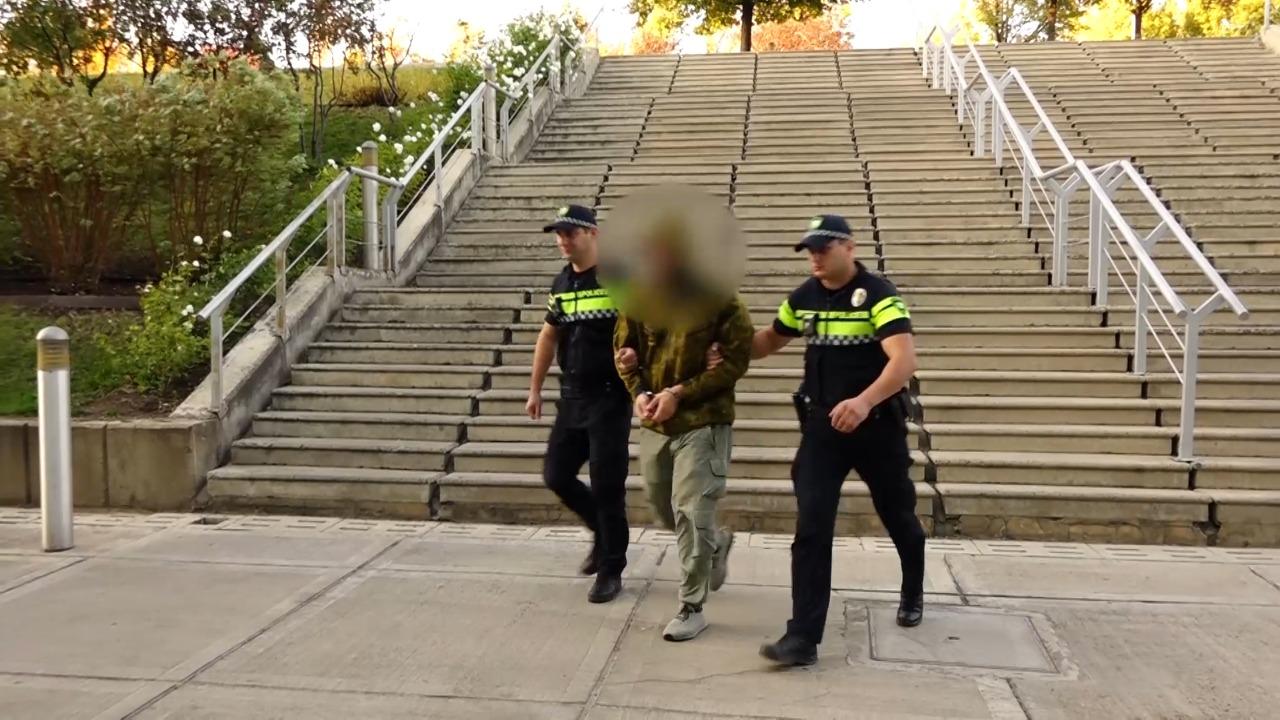 საპატრულო პოლიციამ ფონიჭალაში ნარკოდანაშაულისთვის 1 პირი დააკავა