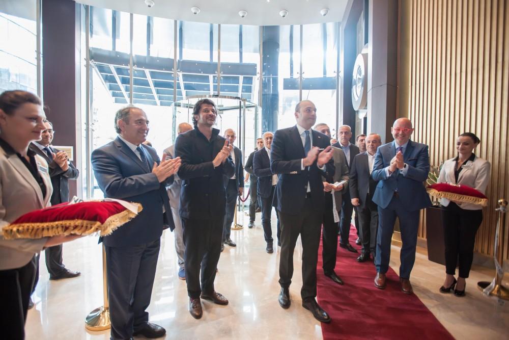 მამუკა ბახტაძემ თბილისში მსოფლიო ბრენდის სასტუმრო Wyndham  Grand Tbilisi გახსნა