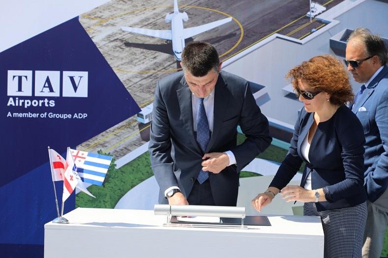 პრემიერ-მინისტრმა ბათუმის საერთაშორისო აეროპორტის ახალი ტერმინალის მშენებლობის დაწყების ცერემონიაში მიიღო მონაწილეობა