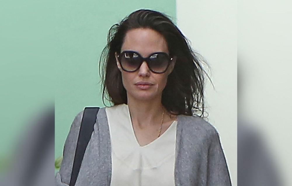 ანჯელინა ჯოლის წონა მედიის განხილვის საკითხია - მსახიობის ფოტოები