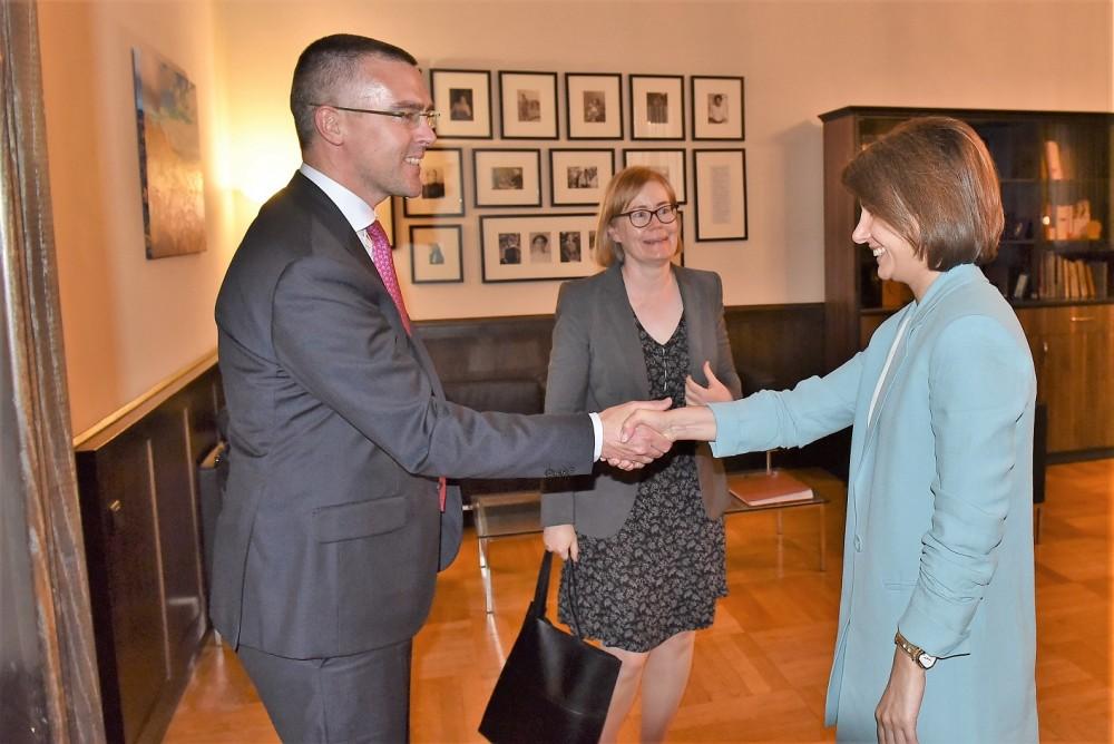თამარ ჩუგოშვილმა საქართველოში შვედეთის სამეფოს მომავალ ელჩთან გაცნობითი ხასიათის შეხვედრა გამართა