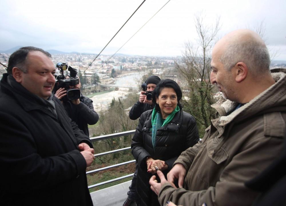 პრეზიდენტი ქუთაისში ქართულ-პოლონური არქეოლოგიური ექსპედიციის შედეგებს გაეცნო
