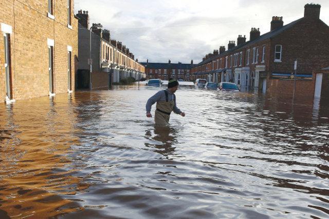 ქალაქი ლოზანა ძლიერი წვიმის შემდეგ დაიტბორა (ვიდეო)