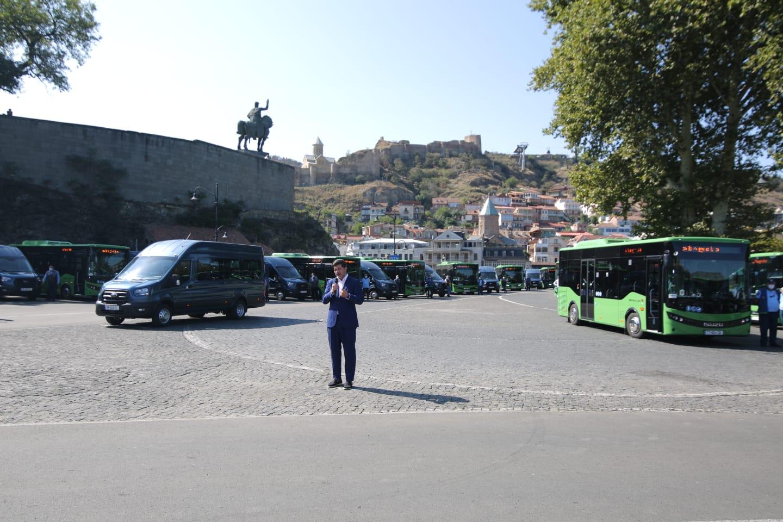 დედაქალაქის მგზავრებს დამატებით ახალი მიკროავტობუსები და 8-მეტრიანი ავტობუსები მოემსახურება
