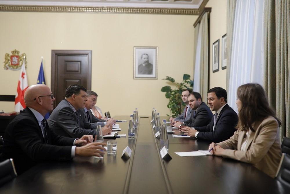 არჩილ თალაკვაძე აშშ-ის საერთაშორისო განვითარების სააგენტოს დირექტორის მოადგილეს შეხვდა
