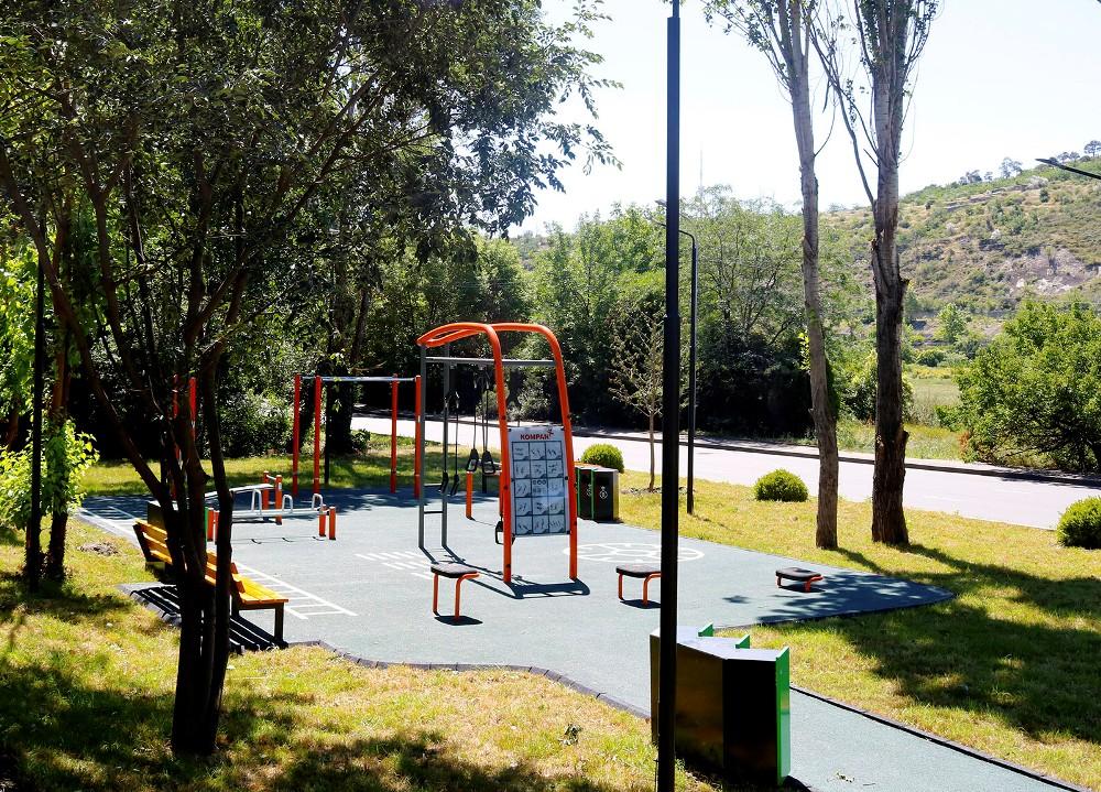 საბურთალოს რაიონში ნოვაციური მულტიფუნქციური სპორტული სივრცე მოეწყო