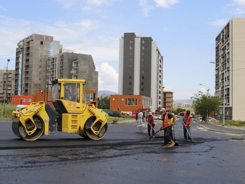 დიდ დიღომში არჩილ მეფის ქუჩაზე სარეაბილიტაციო სამუშაოები სრულდება