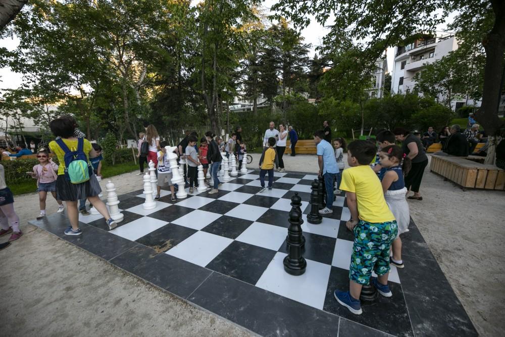 თბილისში ვასო გოძიაშვილის სახელობის განახლებული პარკი გაიხსნა