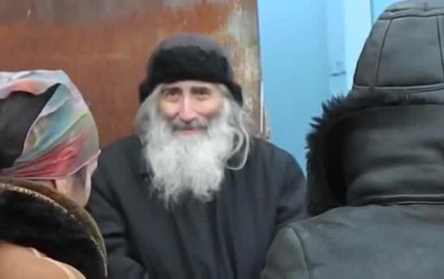 ეკლესიიდან მოკვეთილმა ბერმა ნიკოლოზმა ბარნოვზე დაიდო ბინა (ვიდეო)