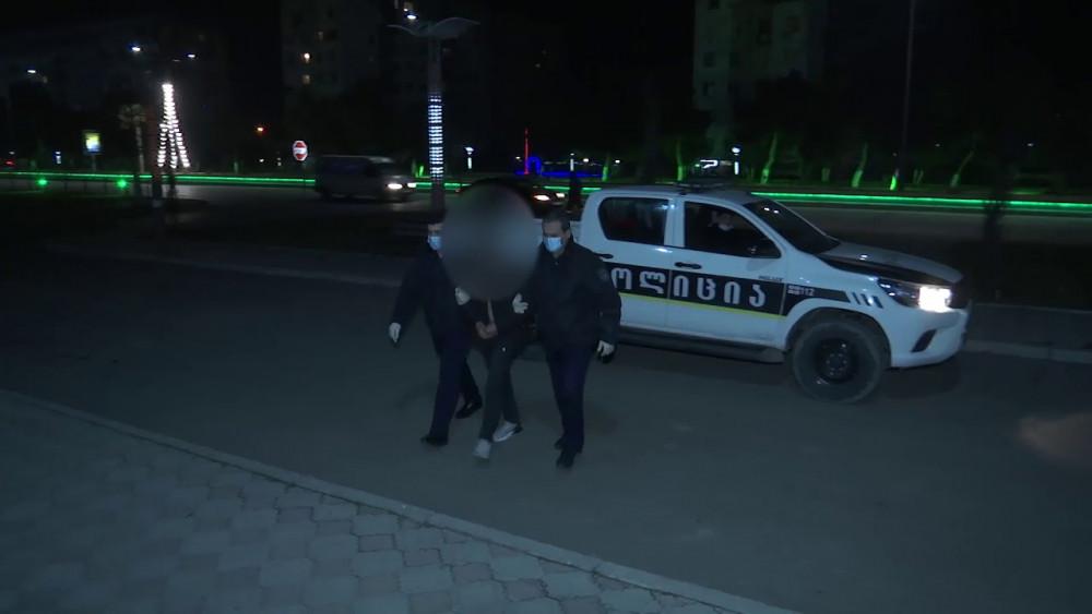 პოლიციამ გარდაბანში არასრულწლოვანი  გოგონასთვის თავისუფლების უკანონოდ აღკვეთის ფაქტზე ოთხი პირი დააკავა