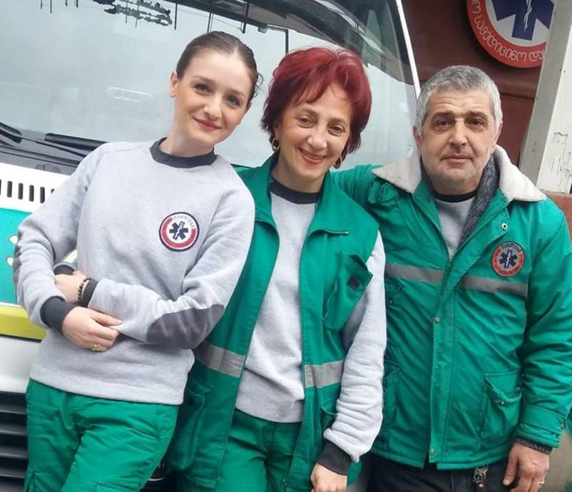 სახლში გაჩენილი სიცოცხლე - სასწრაფოს ექიმებმა თბილისში 36 წლის ქალი ადგილზე ამშობიარეს