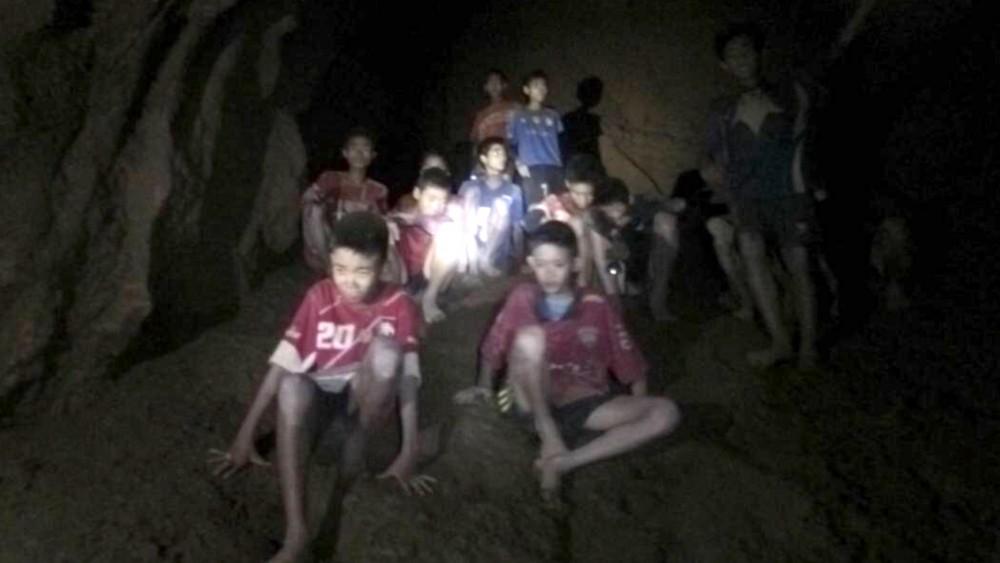ტაილანდში დატბორილი მღვიმიდან ყველა ბავშვი და მწვრთნელი ამოიყვანეს