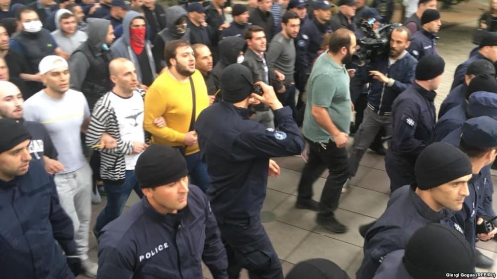 კონტრაქციაზე დაკავებულებს სასამართლომ ჯარიმის გადახდა დააკისრა