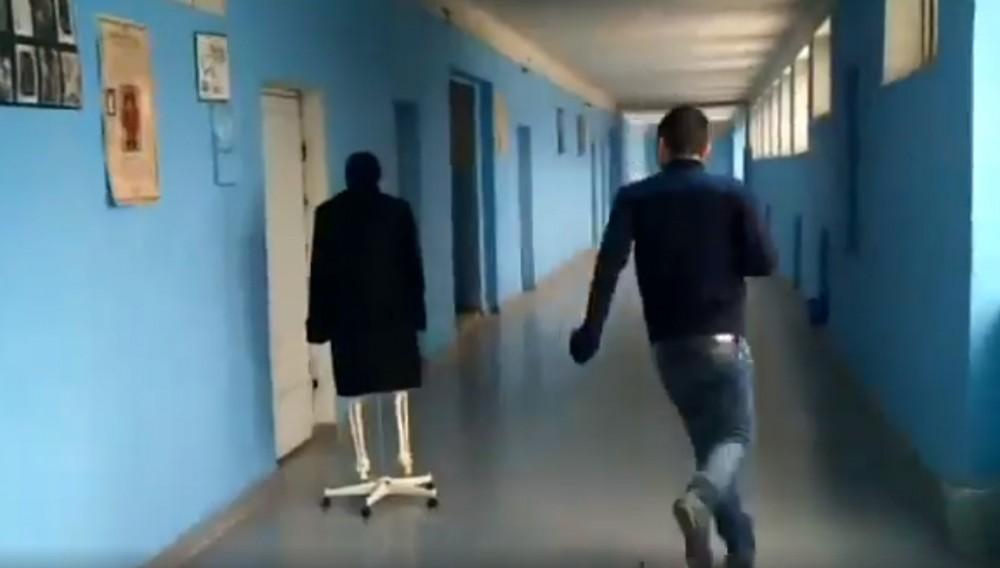ნახეთ, რა მოხდა საქართველოს ერთ-ერთ სკოლაში (ვიდეო)