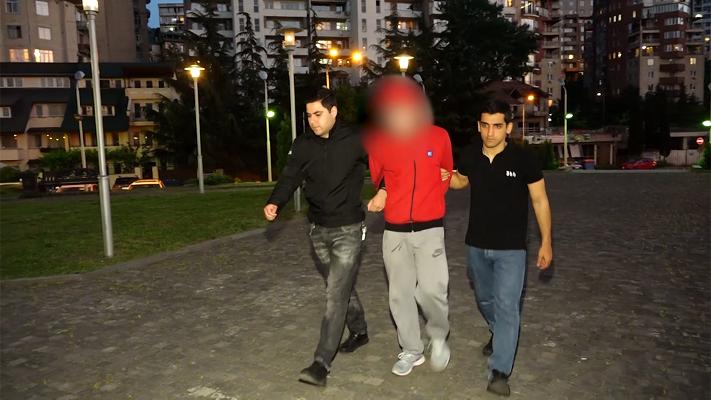 თბილისში ქურდობისა და კომპიუტერულ სისტემაში უნებართვოდ შეღწევის ბრალდებით 1 პირი დააკავეს