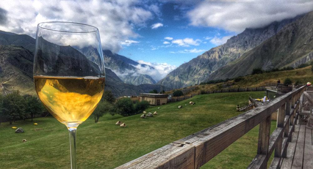BBC - შეუძლია თუ არა ქართულ ღვინოს, გადაიბიროს მსოფლიო ღვინის მომხმარებლები