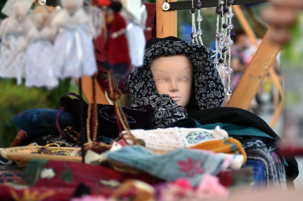 """რიყის პარკში ხელნაკეთი ნივთების გამოფენა-გაყიდვა """"თბილისური ბაზარი"""" გაიმართა"""