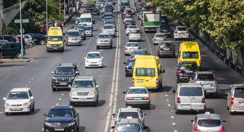 """ავტომობილებს, რომლებსაც ტექნიკური დათვალიერება არ გაუვლიათ, დღეიდან """"ჭკვიანი"""" კამერები დააჯარიმებენ"""