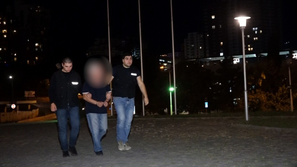 პოლიციამ უცხო ქვეყნის მოქალაქის მიმართ ჩადენილი ძალადობის და ნივთის დაზიანების ბრალდებით ერთი პირი დააკავა