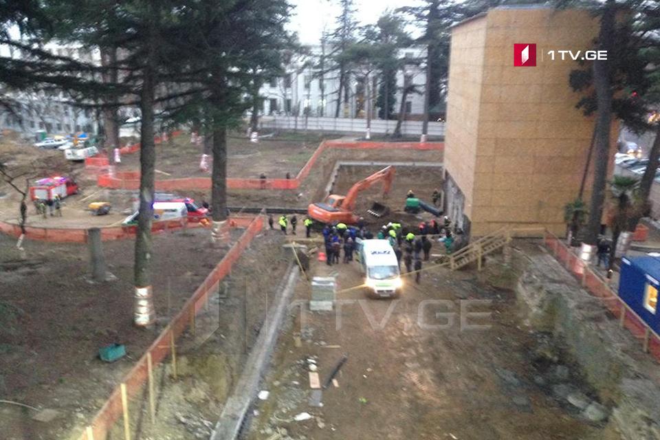 თბილისში, ჭავჭავაძის გამზირზე მიმდინარე მშენებლობაზე მიწა ჩამოიშალა და ორი ადამიანი მოიყოლა