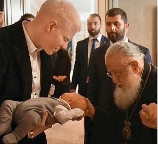 ივანიშვილებმა პატარა ბერუკას სახე გამოაჩინეს - ნათლობის ფოტოები