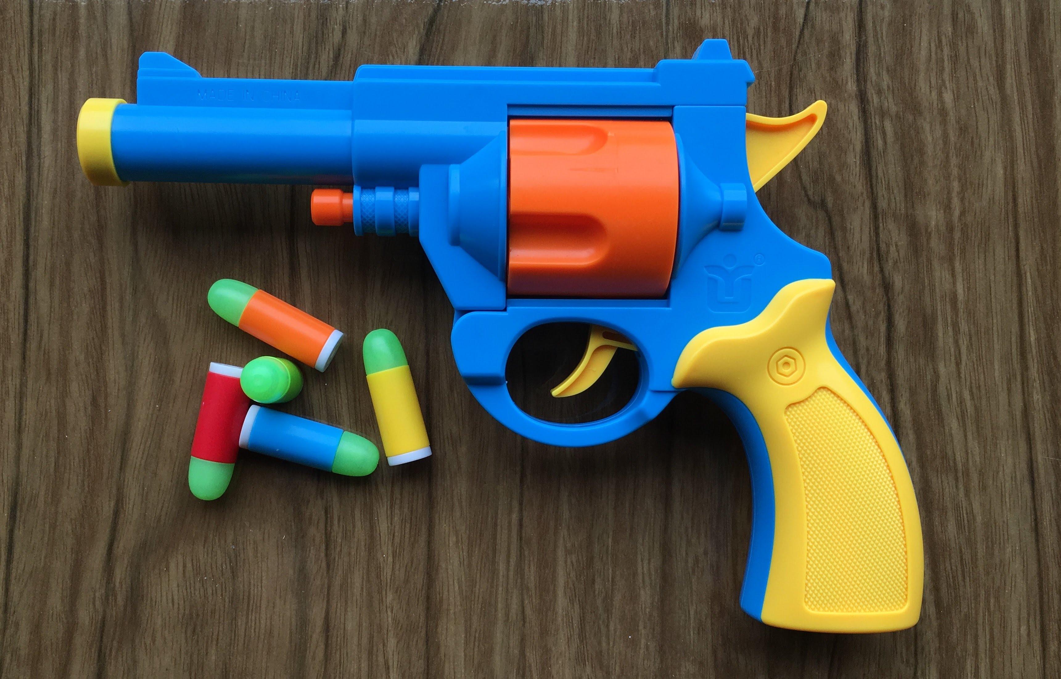 თბილისში კაცი საიუველირო მაღაზიებს სათამაშო იარაღით აყაჩაღებდა