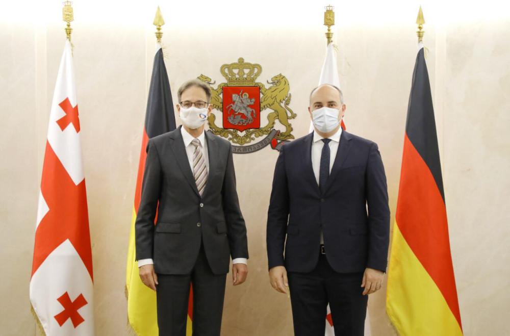 თავდაცვის მინისტრმა გერმანიის ელჩთან შეხვედრა გამართა