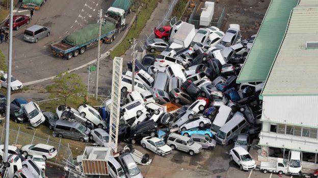 """იაპონიაში ტაიფუნ """"ჯების"""" შედეგად 10 ადამიანი დაიღუპა (+ ფოტო)"""
