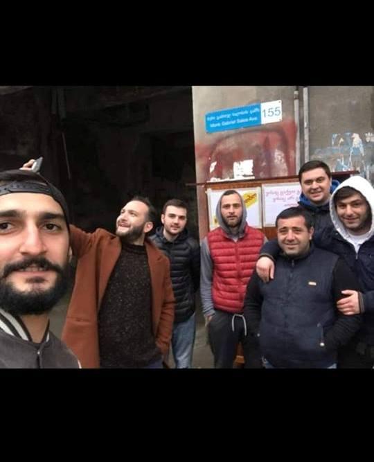 #გააზიარესითბო  -  თბილისში უპოვართათვის ტანსაცმლის კარადა დადგეს (ვიდეო)