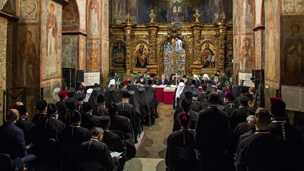 პოროშენკომ უკრაინის ავტოკეფალური ეკლესიის შექმნის შესახებ განაცხადა