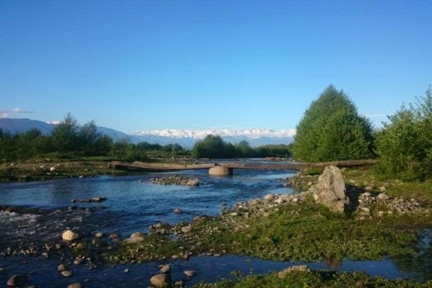 ზუგდიდში მდინარე ენგურმა სამი ცხედარი გამორიყა