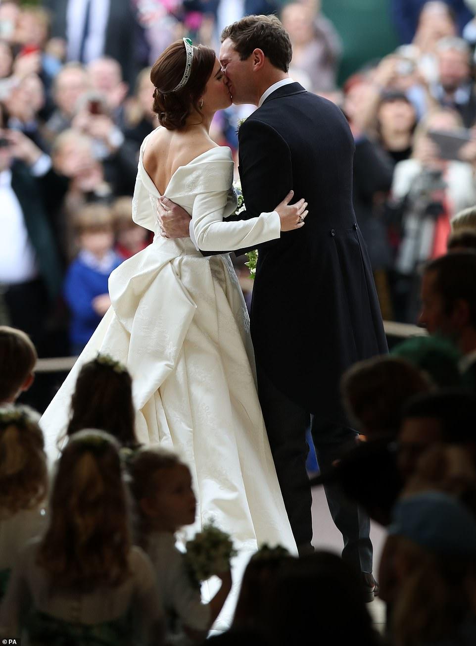 ვარსკვლავთცვენა პრინცესა იუჯინის და ჯეკ ბრუკსბენკის სამეფო ქორწილში (ფოტო)