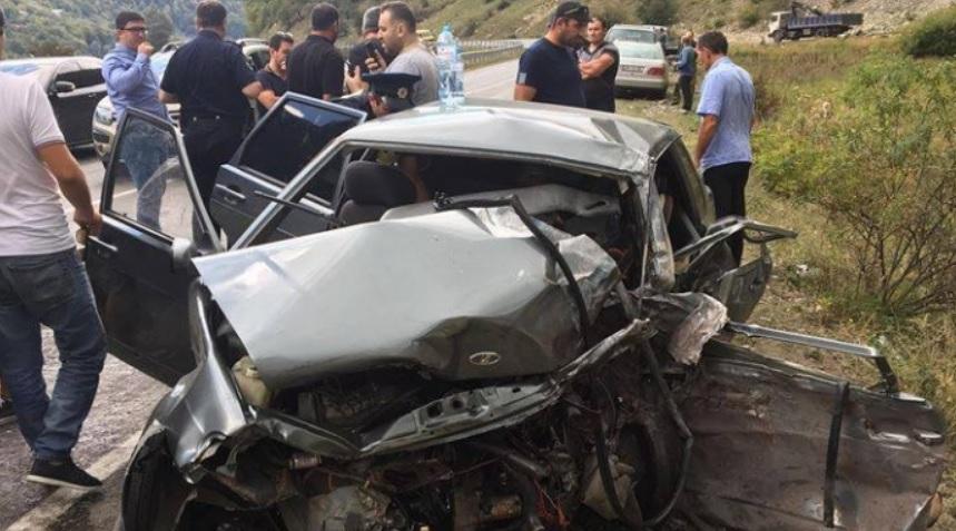 1 გარდაცვლილი და 4 დაშავებული - ავარია დუშეთში