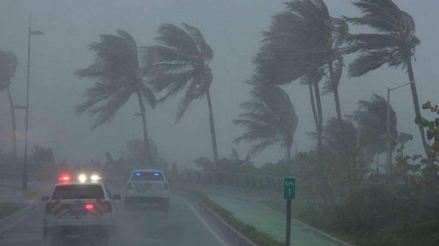 ჰავაიზე ძლიერი ქარი და წყალდიდობაა