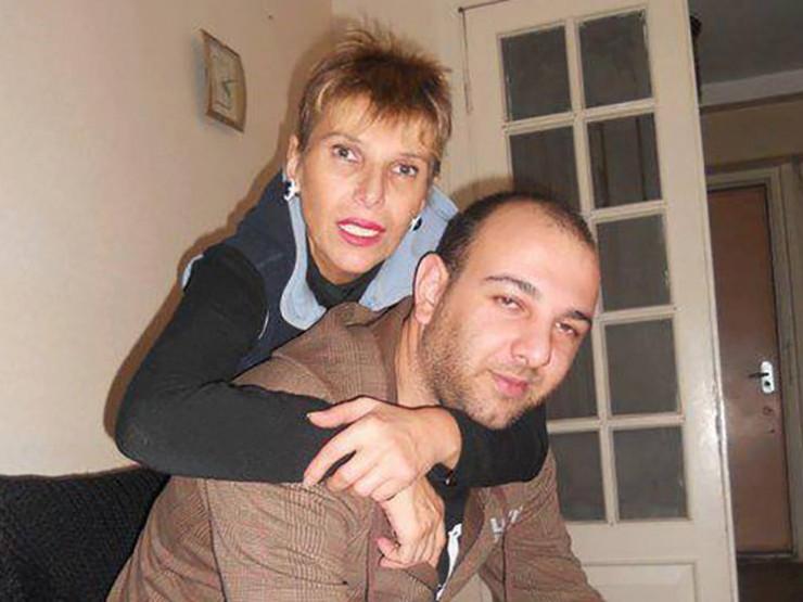 დოდო გუგეშაშვილის ძმა დედა-შვილზე თავდასხმას 15 წლის წინ მომხდარ ინციდენტს უკავშირებს