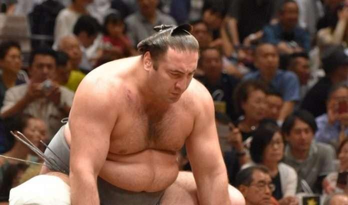 ტოჩინოშინმა იაპონიის სუპერტურნირზე მე-5 გამარჯვება მოიპოვა