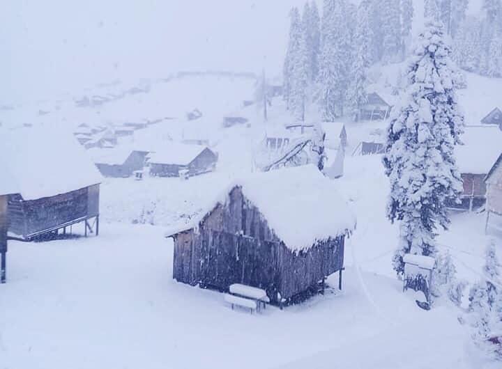 ბახმაროში პირველი თოვლი მოვიდა