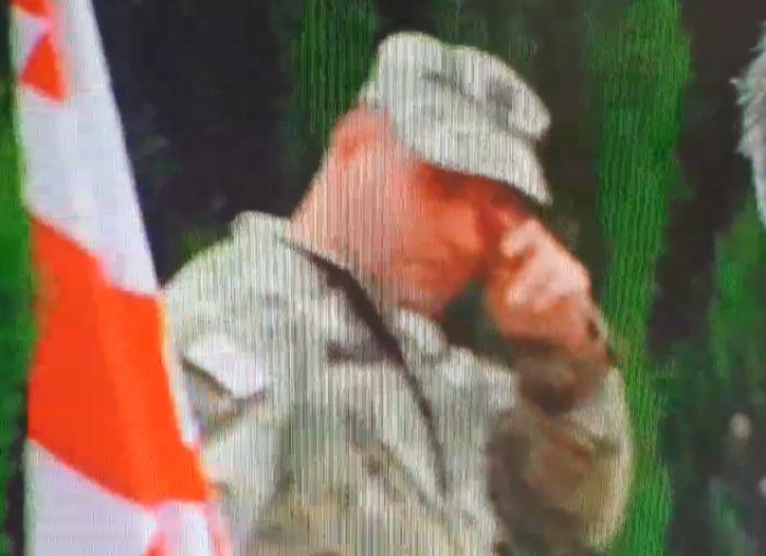 ატირებული სამხედრო მუხათგვერდის ძმათა სასაფლაოზე - ემოციური ვიდეო