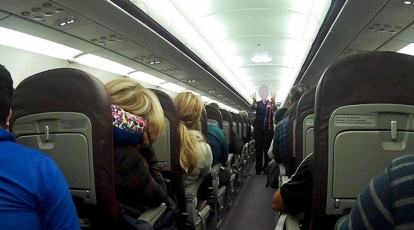 მსუქან მგზავრებს თვითმფრინავში მეორე ადგილს უფასოდ მისცემენ