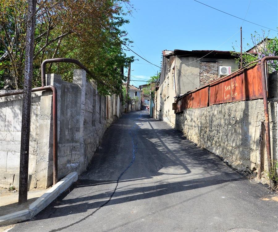 ნაძალადევის რაიონში, ზედაუბნის ქუჩაზე და ჩიხებში საგზაო ინფრასტრუქტურა მოწესრიგდა