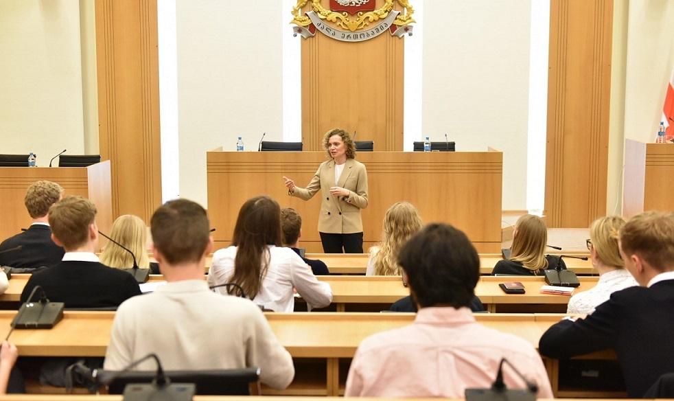 თამარ ხულორდავა კოპენჰაგენის უნივერსიტეტის სტუდენტებს და მკვლევარებს შეხვდა