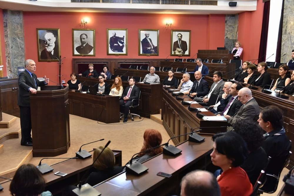 გიორგი ვოლსკიმ საქართველოს დემოკრატიული რესპუბლიკის დამფუძნებელი კრების100 წლისთავთან დაკავშირებული სამეცნიერო კონფერენცია გახსნა